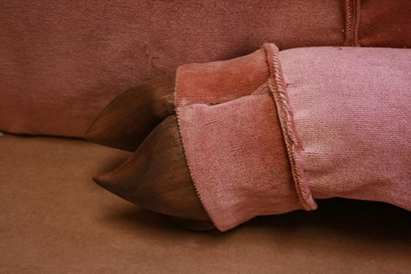 Pig-Couch-3