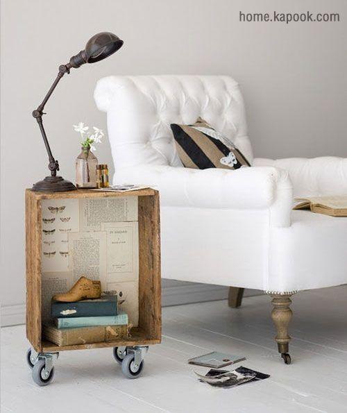 แต่งห้องนอนด้วยโต๊ะวางของสารพัดประโยชน์