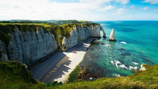 Sea Cliffs, Etretat ประเทศฝรั่งเศส - teavelaroundtheworld