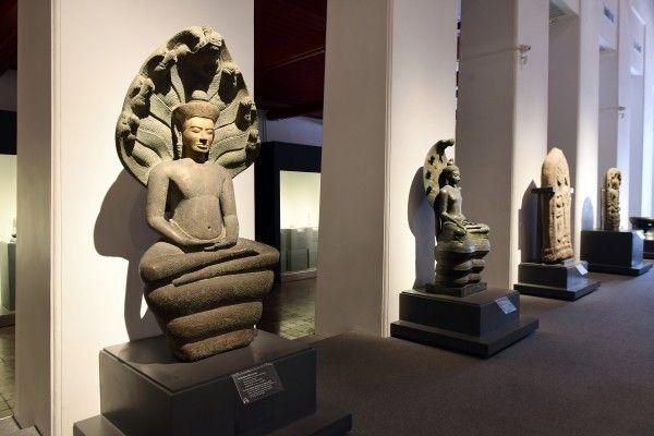 04 ภาพบรรยากาศทั่วไปของการจัดแสดงศิลปวัตถุที่เป็นมรดกทางศิลปวัฒนธรรมของชาติไทย