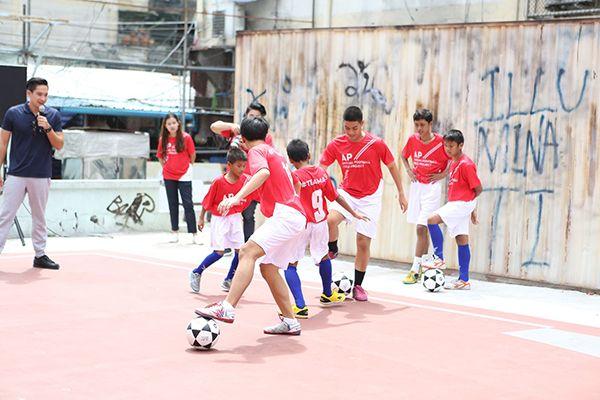 rel-ap-csr-football-field-9