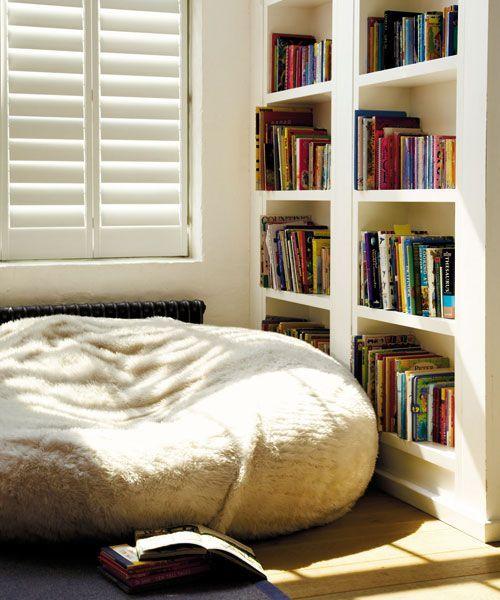 ไอเดียแต่งมุมอ่านหนังสือ ให้นั่งอ่านได้ทั้งวัน