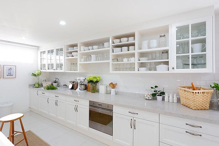 แต่งครัวให้สวยด้วยตู้และชั้นเก็บของ
