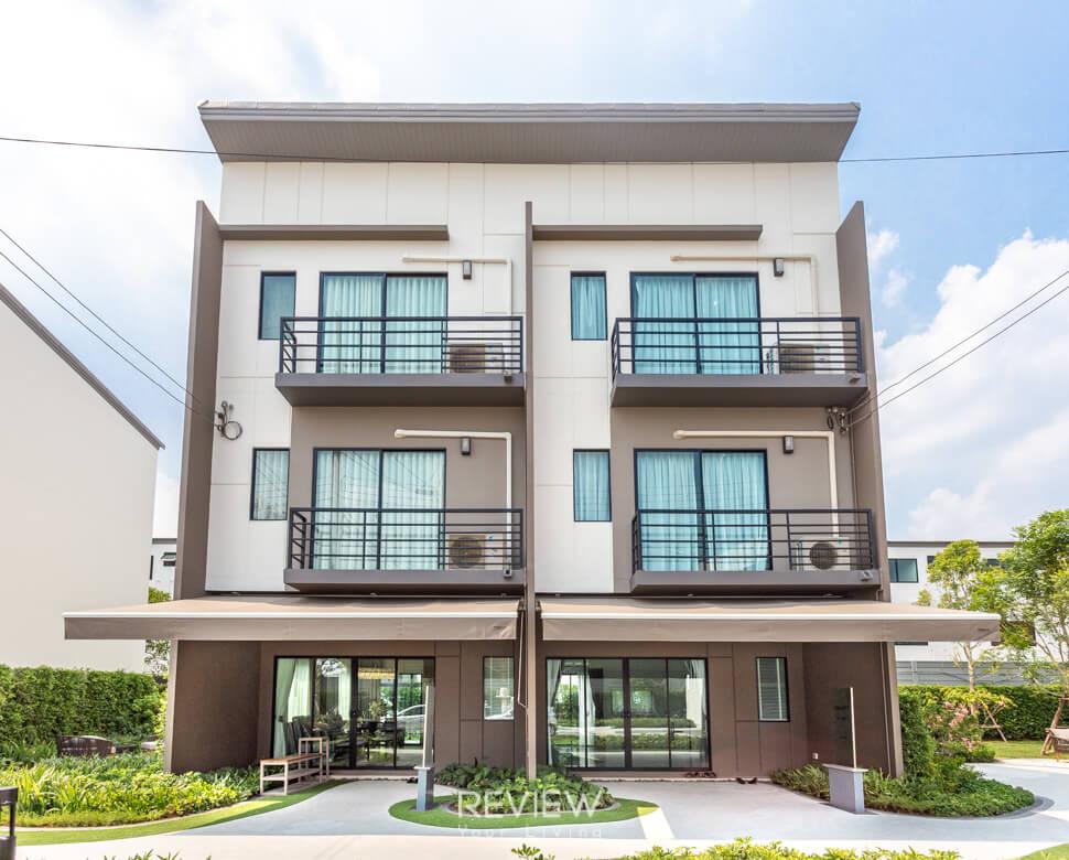 ทาวน์โฮม 3 ชั้น ย่านรามอินทรา บ้านกลางเมือง รามอินรา