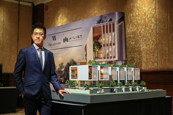 """เอ-ลิสท์ ดีเวลลอปเมนท์ สยายปีกรุกธุรกิจอสังหาฯ เดินหน้าพัฒนาบ้านหรูใจกลางเมือง พร้อมเปิดตัว """"VILLAZZO 10"""" บ้านเดี่ยวกลางเมืองย่านเอกมัย เจาะกลุ่ม Super Luxury"""