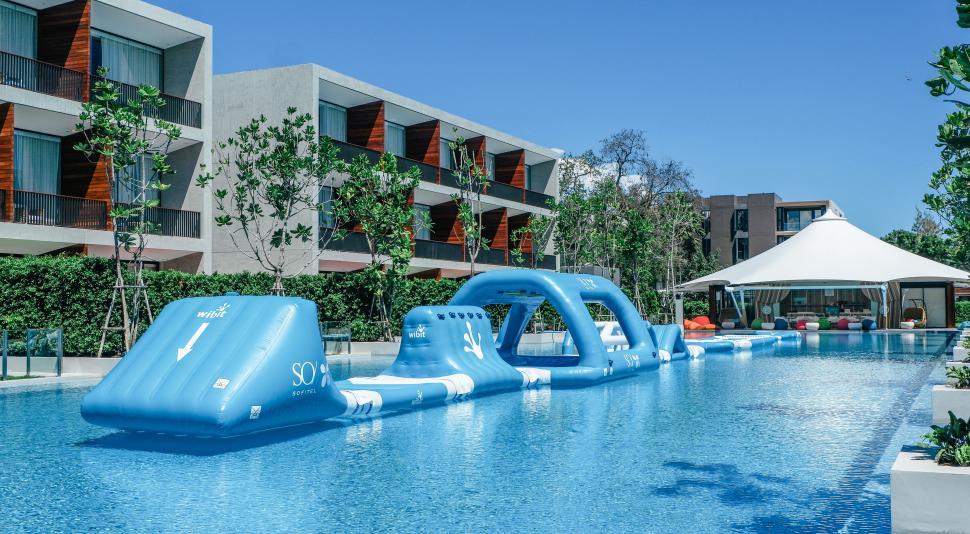 โรงแรมโซ โซฟิเทล หัวหิน เปิดเฟสใหม่ ยกระดับประสบการณ์ท่องโลกเหนือจินตนาการ ชูจุดเด่น แห่งแรก! ในไทยกับ Wibit แอดเวนเจอร์ในสระว่ายน้ำ