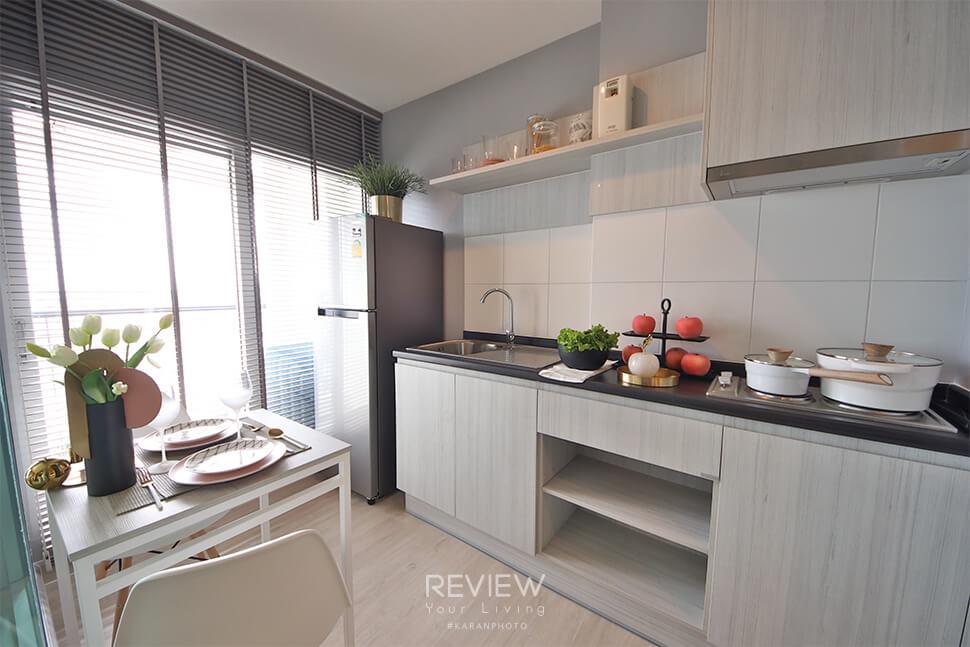 ห้องครัว ของ Type B โครงการ Aspire Ngamwongwan