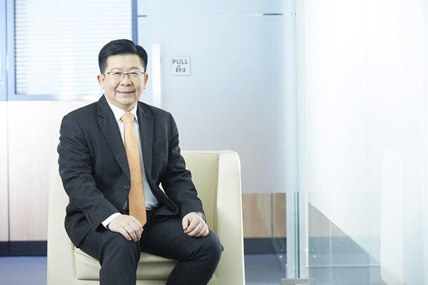 ดร.วิชัย วิรัตกพันธ์ ผู้ตรวจการธนาคารอาคารสงเคราะห์ และรักษาการผู้อำนวยการศูนย์ข้อมูลอสังหาริมทรัพย์