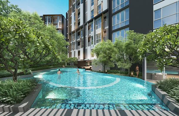 """สระว่ายน้ำส่วนกลาง คอนโด บางแสน """"The Centro Condo Bangsaen"""""""